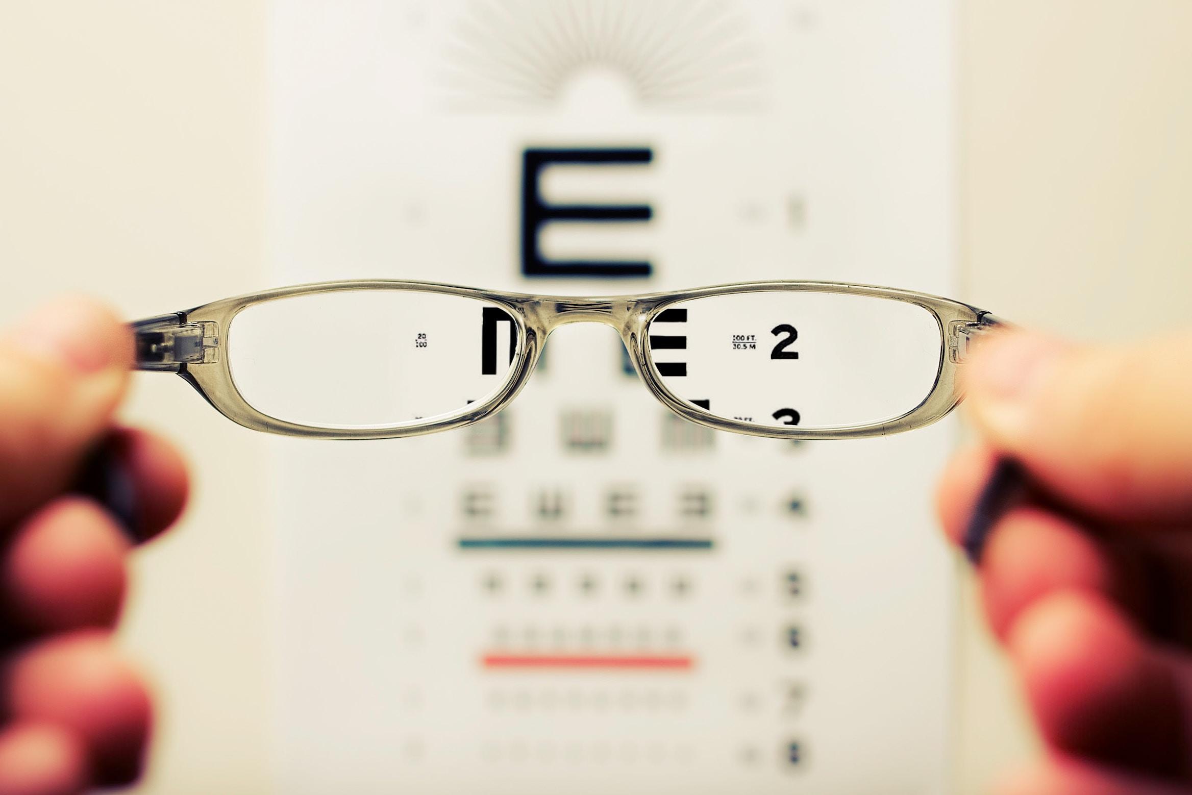 imagine sugestivă pagina despre aptis vision